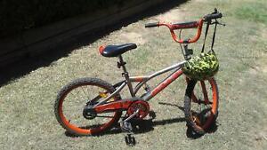 BMX BIKE COMES WITH FREE HELMET