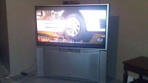 50 inch floor model tv