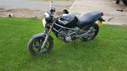 Vtr 250. 2006 mod. PRICE DROP Excellent order with nothing to sp