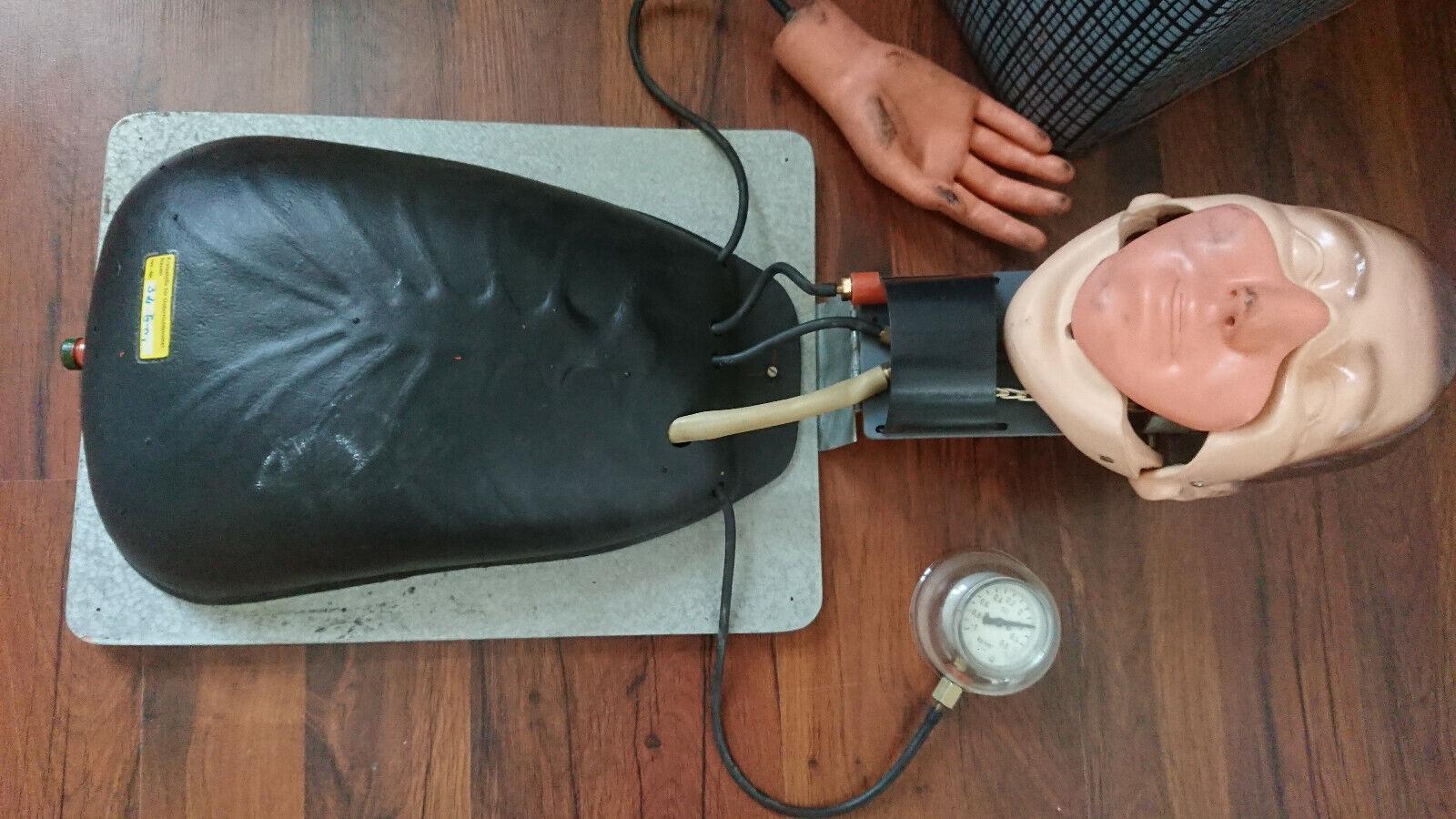 Reanimation Übungs- Lehr-Puppe Wiederbelebung Beatmung Torso DDR vintage Koffer