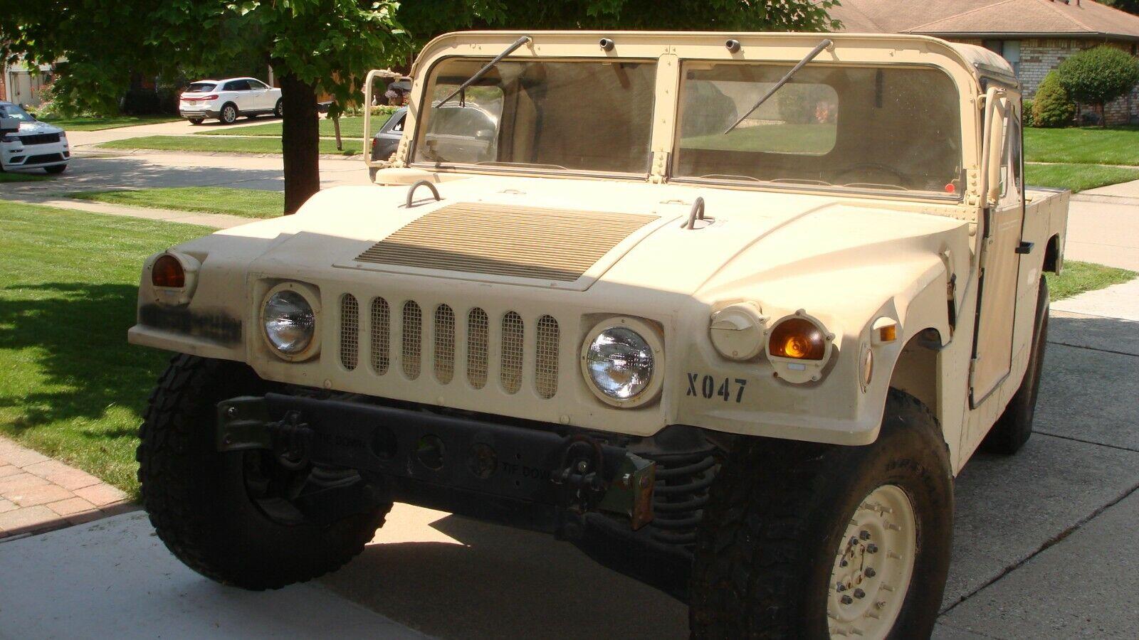 AM GENERAL HMMWV M-998