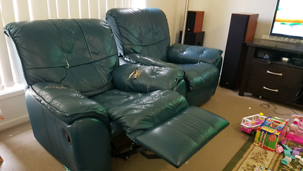 Give away 2x 1seater recliner chair
