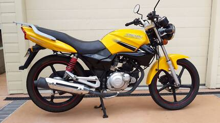 Scooter and motorcycle hire: Newcastle Speers Point Lake Macquarie Area Preview