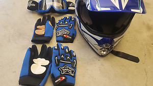 Helmet, gloves & goggles Kurri Kurri Cessnock Area Preview