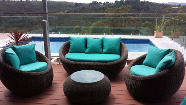 Funky Round Outdoor Wicker Rattan Sofa Lounge Furniture
