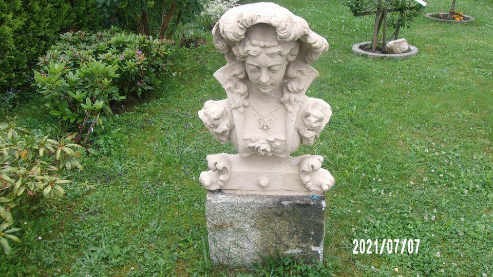 Alte Statue aus der Gründerzeit um 1890 in Klingenthal