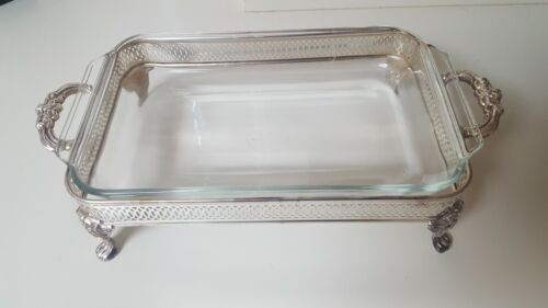FOOTED VINTAGE SILVERPLATED STAND/HOLDER W/PYREX SERVING DISH