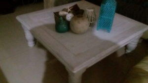Pine ocasiobal coffee table