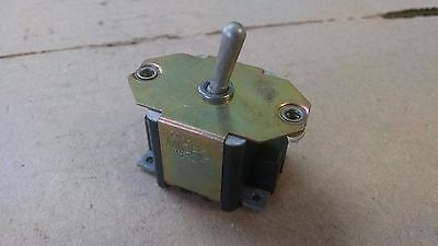 1 Ea Nos Honeywell Micro Toggle Switch W Various Applications Pn 33ts1-2