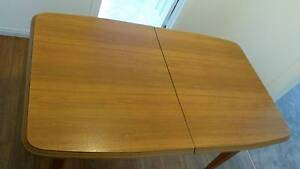 Dining table & chairs Engadine Sutherland Area Preview
