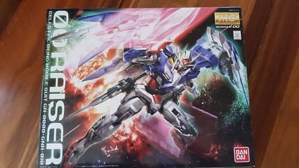 MG 1/100 00 Raiser Gundam