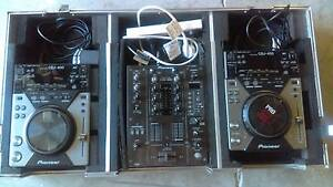 Complete Pioneer 2 x CDJ400 + DJM400 System in Roadcase Acacia Ridge Brisbane South West Preview