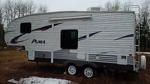 2012 PUMA 5th Wheel 24' For Sale