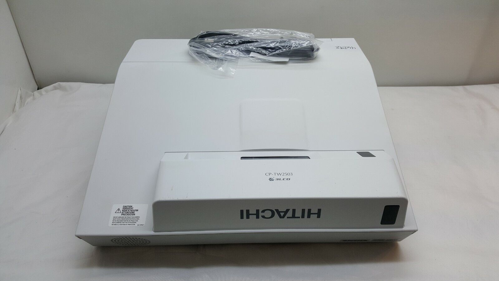 Hitachi CP-AW2503 Ultra Short Throw 3LCD Projector 2700 Lume