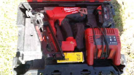 Milwaukee M18 fuel gasless fixout gun
