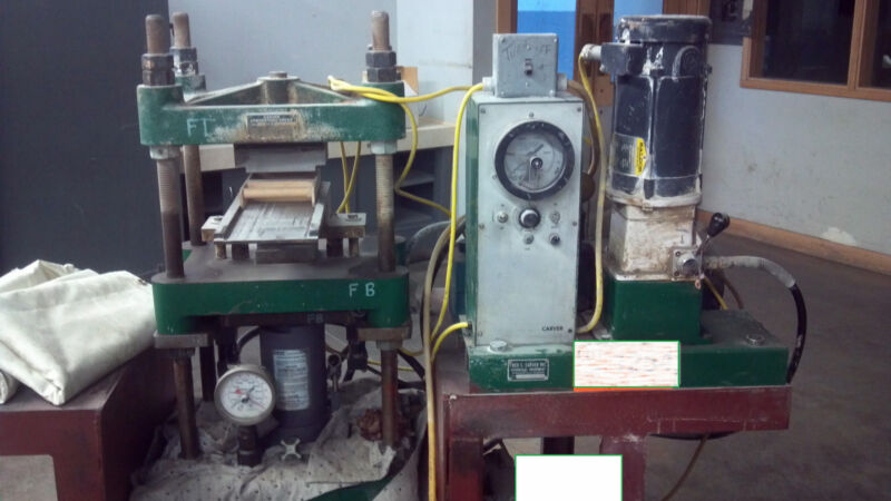 25 Ton Carver 4 Column Laboratory Hydraulic Press   Item #8466