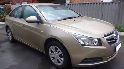 URGENT ! Sell Holden Cruze 2009