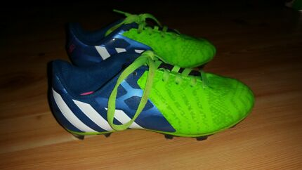 Boys size 2 adidas Predator Instinct FG Junior Football Boots Fairview Park Tea Tree Gully Area Preview