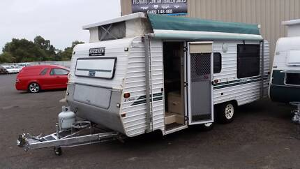 Caravan 2000 evernew island bed tandem acle 18'  full annexe