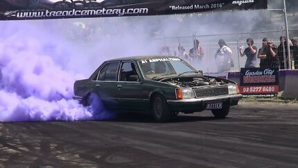 Holden vb sle burnout car