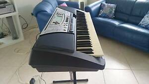 Yamaha Portatone PSR340 electronic keyboard. Kewarra Beach Cairns City Preview