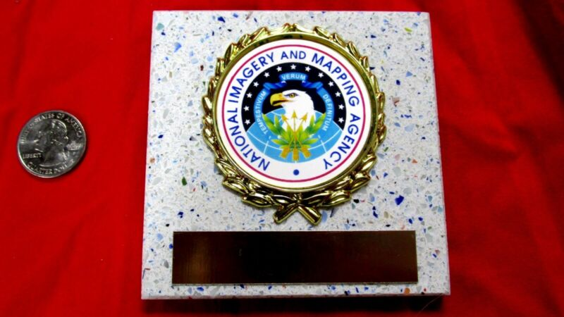 US NATIONAL IMAGERY & MAPPING New Plaque Tile AWARD -GIFT w/Gold Wreath FASTship