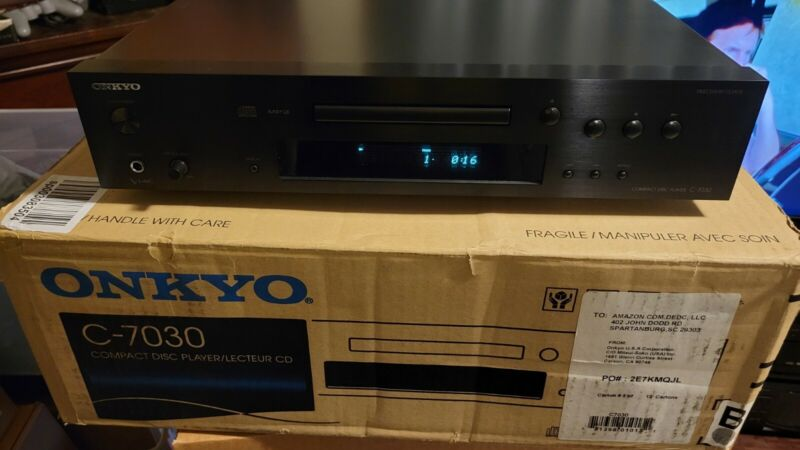 Onkyo C-7030 CD Player 192 kHz/24-bit DAC Audiophile w/ Remote, Box, Manual