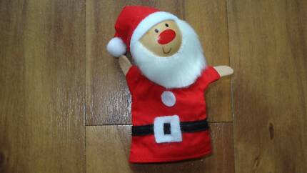 NEW Wooden Santa Finger Puppet Toy