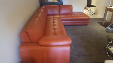 6mth old 7 seater couch 100% leather