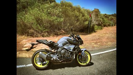 Yamaha MT-10 with extras (MT10) Kirrawee Sutherland Area Preview