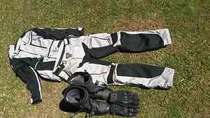 Pro RTS adventure suit and gaerne boots Ruse Campbelltown Area Preview