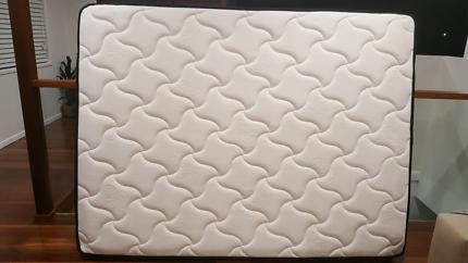 Queen mattress medium firm