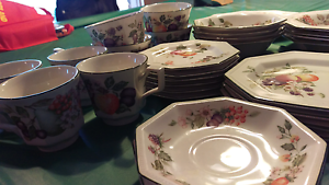 Johnson and brothers dinner set Berwick Casey Area Preview