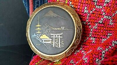 Old Japanese Mount Fiji Powder Compact …beautiful collection piece