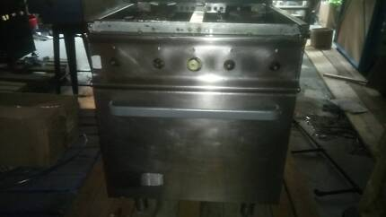 Commercial Kitchen Oven only used 6 months