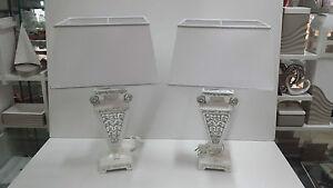 Coppia lumi via veneto bianco e argento ceramica arredo - Lumi per camera da letto ...