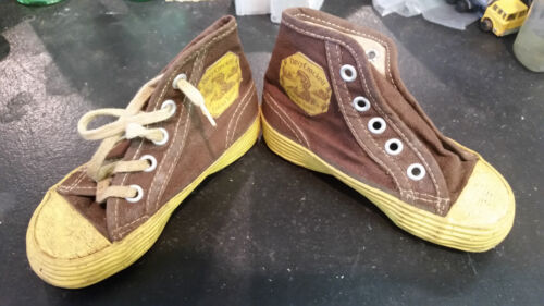 Amazingly RARE Davy Crockett Indian Scout Kids Shoes 1950