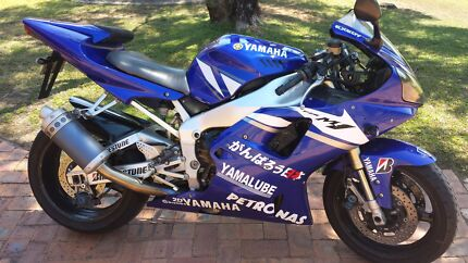 Yamaha R1 2001 Blackstone Ipswich City Preview