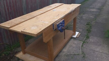 WORK BENCH WITH LARGE VICE Mayfield East Newcastle Area Preview