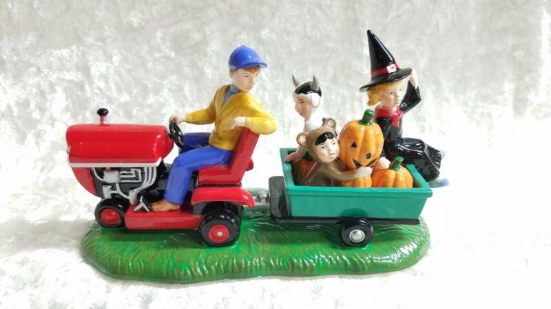 Dept 56 Snow Village Halloween -  Gathering Pumpkins #56.55200 - EUC