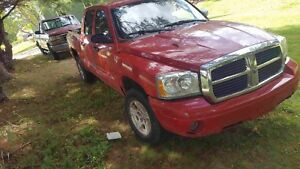 2005 dodge Dakota 6speed