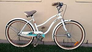 """bicycle Ladies beach cruiser 26"""" 66cm bike in good condition Belmont Lake Macquarie Area Preview"""