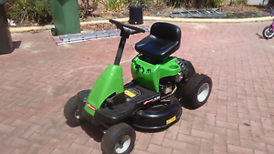Ride on lawn mower Canning Vale Canning Area Preview