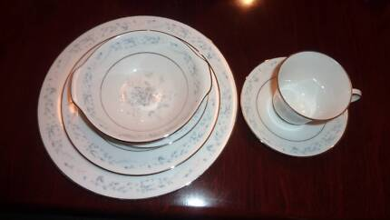 Noritake dinner set closing down price dinnerware gumtree noritake dinner set carolyn fandeluxe Image collections