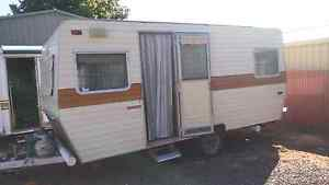 16ft caravan with Annexe Munno Para West Playford Area Preview