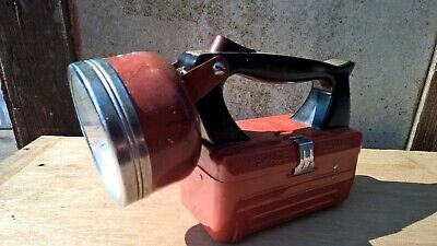 VINTAGE EVER READY SPACE BEAM TORCH - VINTAGE FLASH LIGHT.