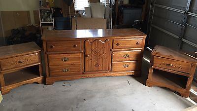 5-piece oak bedroom set.  American of Martinsville. Queen full.