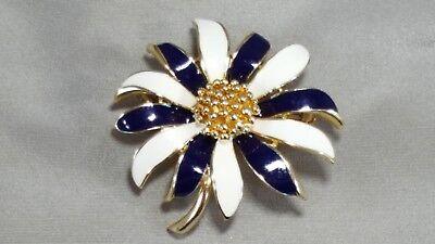 Enamel Flower Daisy - VINTAGE DAISY BROOCH Enamel Flower NAVY & IVORY Trifari??   SUPERB!!