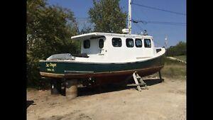 32' Cape Islander - Solid Fiberglass Hull