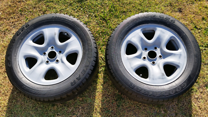 Steel rims with good tyres for trailer